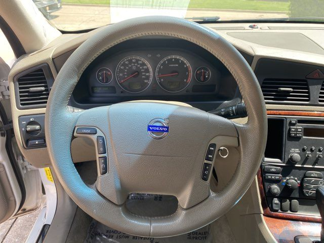 2006 Volvo V70 2.4L ONE OWNER in Carrollton, TX 75006