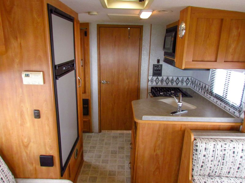 2006 Winnebago Aspect 23D  in Sherwood, Ohio