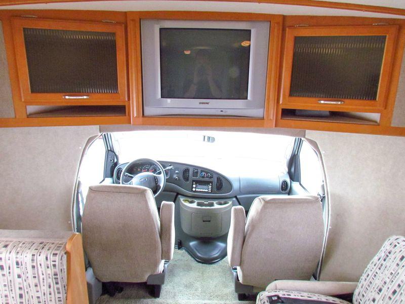 2006 Winnebago Aspect 23D  in Sherwood, Ohio