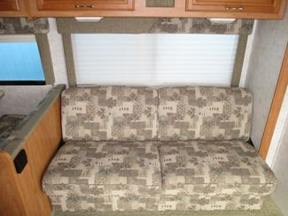 2006 Winnebago Outlook 331C  city Florida  RV World of Hudson Inc  in Hudson, Florida