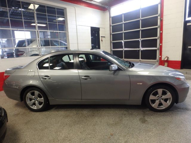2007 Bmw 530 Xi, Awd, Completely LOADED, STUNNING PEANUT BUTTER INT. Saint Louis Park, MN 1