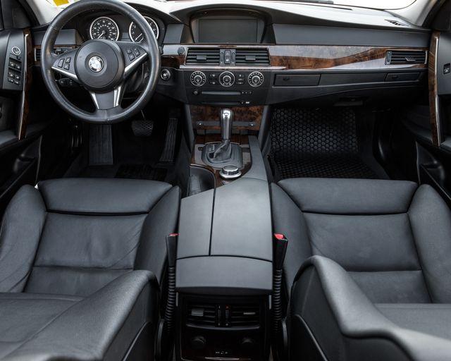 2007 BMW 530xi Burbank, CA 13