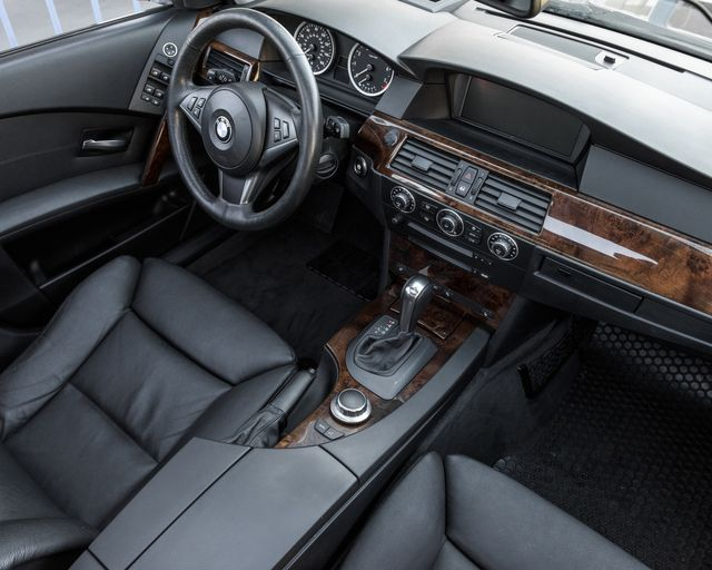 2007 BMW 530xi Burbank, CA 14