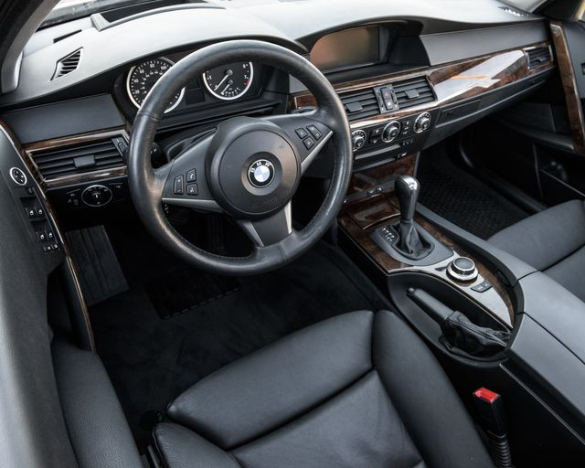 2007 BMW 530xi Burbank, CA 15