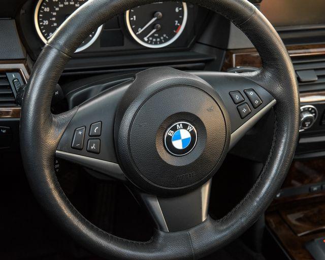 2007 BMW 530xi Burbank, CA 16