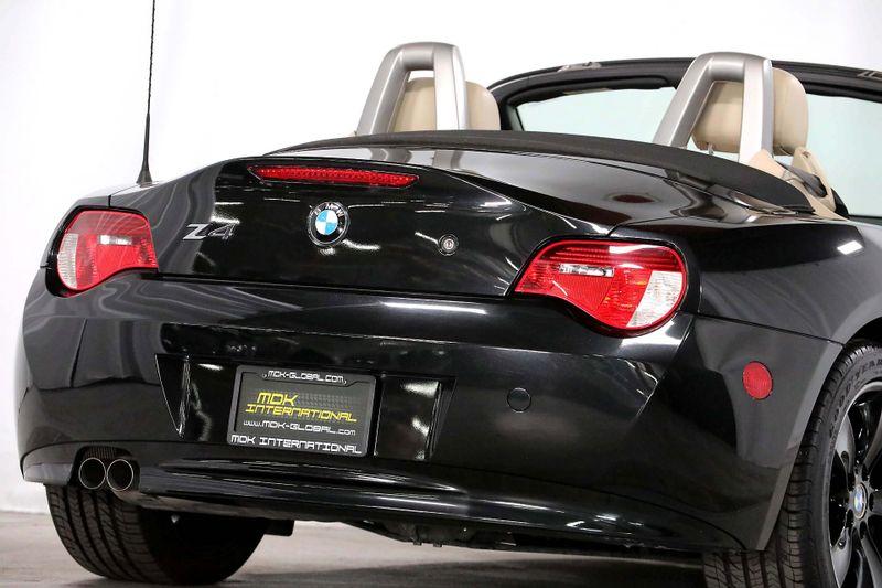 2007 BMW Z4 30i - Sport pkg - Manual transmission  city California  MDK International  in Los Angeles, California