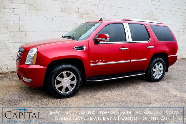 2007 Cadillac Escalade 4WD Luxury SUV w/3rd Row Seats, Backup Cam, Moonroof, Heated/Cooled Seats, Tow Pkg