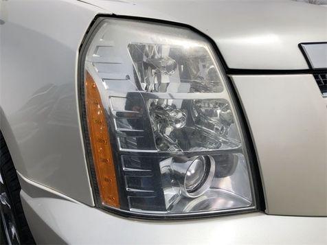 2007 Cadillac Escalade Base AWD Navi Tv/DVD 3rd Row We Finance | Canton, Ohio | Ohio Auto Warehouse LLC in Canton, Ohio