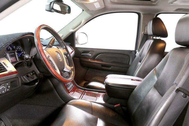 2007 Cadillac Escalade ESV - Navigation - DVD - 4WD - Back up camera  city California  MDK International  in Los Angeles, California