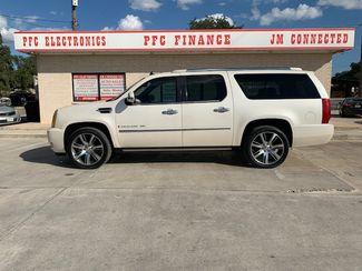 2007 Cadillac Escalade ESV in Devine, Texas 78016