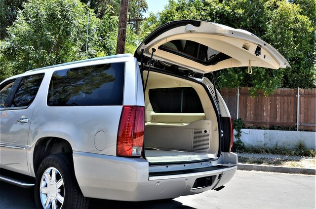 2007 Cadillac Escalade ESV in Reseda, CA, CA 91335