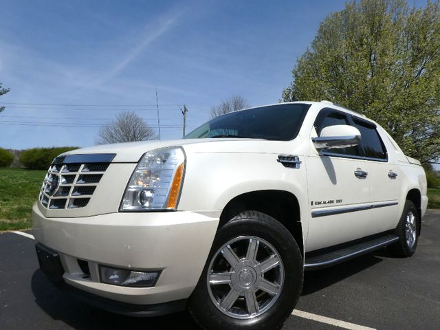 2007 Cadillac Escalade EXT EXT in Leesburg Virginia, 20175