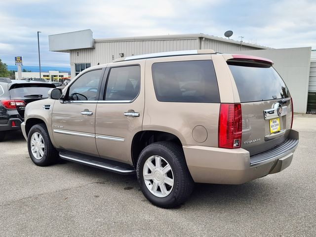 2007 Cadillac Escalade RWD 3rd Seat /DVD /Leather /Sunroof/ Rear Air in Louisville, TN 37777