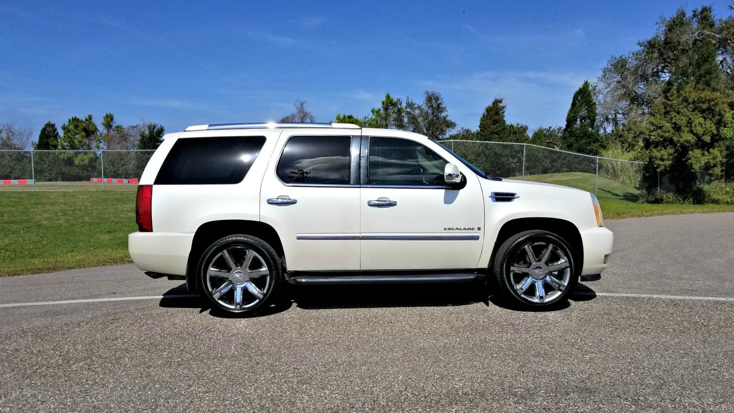 2007 Cadillac Escalade LUXURY 1OWNER SUNROOF DVDs | Palmetto, FL | EA Motorsports