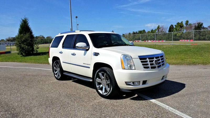 2007 Cadillac Escalade LUXURY 1OWNER SUNROOF DVDs  | Palmetto, FL | EA Motorsports in Palmetto, FL