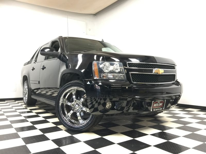 2007 Chevrolet Avalanche *Drive TODAY & Make Payments* | The Auto Cave in Addison