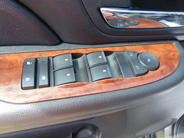 2007 Chevrolet Avalanche LT w/ Moon Roof Alexandria, Minnesota 11