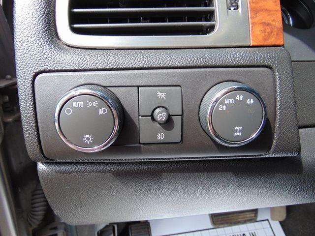 2007 Chevrolet Avalanche LT w/ Moon Roof Alexandria, Minnesota 12