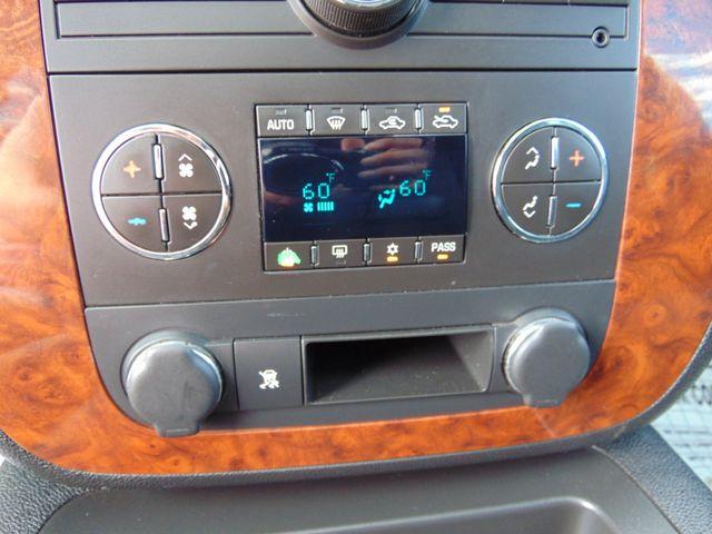 2007 Chevrolet Avalanche LT w/ Moon Roof Alexandria, Minnesota 16