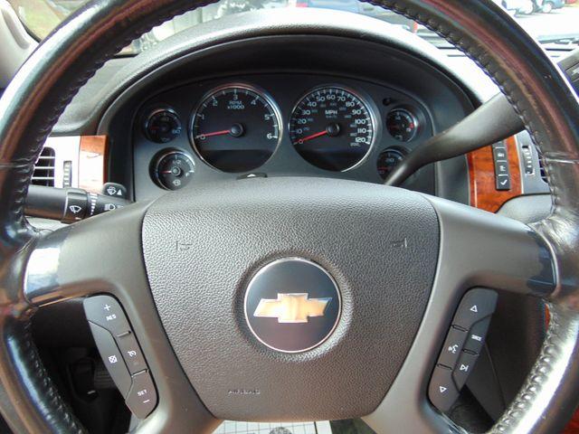 2007 Chevrolet Avalanche LT w/ Moon Roof Alexandria, Minnesota 13
