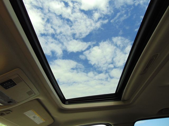 2007 Chevrolet Avalanche LT w/ Moon Roof Alexandria, Minnesota 8