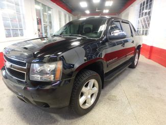2007 Chevrolet Avalanche LT. NEW TIRES,FULLY  SERVICED, VERY CLEAN & SHARP Saint Louis Park, MN 7
