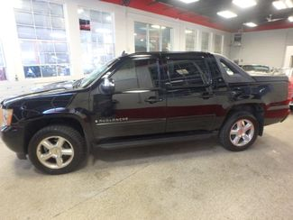 2007 Chevrolet Avalanche LT. NEW TIRES,FULLY  SERVICED, VERY CLEAN & SHARP Saint Louis Park, MN 8
