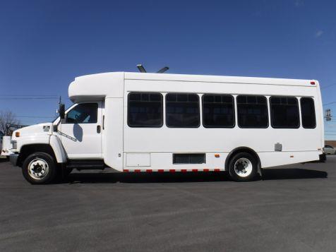 2007 Chevrolet C5500 25 Passenger Shuttle Bus in Ephrata, PA