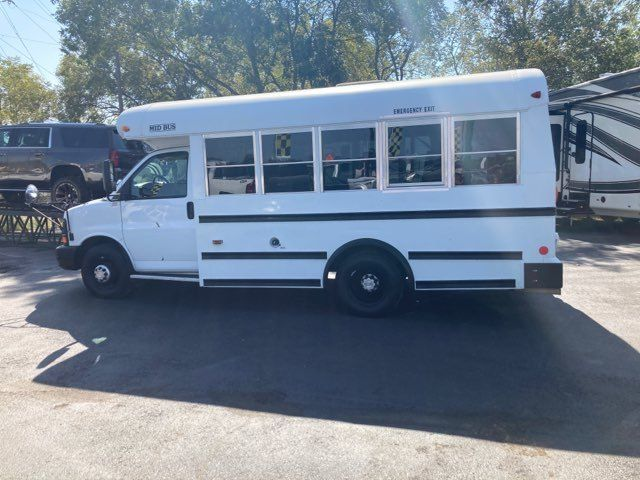 2007 Chevrolet Express Commercial Cutaway C7L DRW 14 Passenger Bus in Boerne, Texas 78006