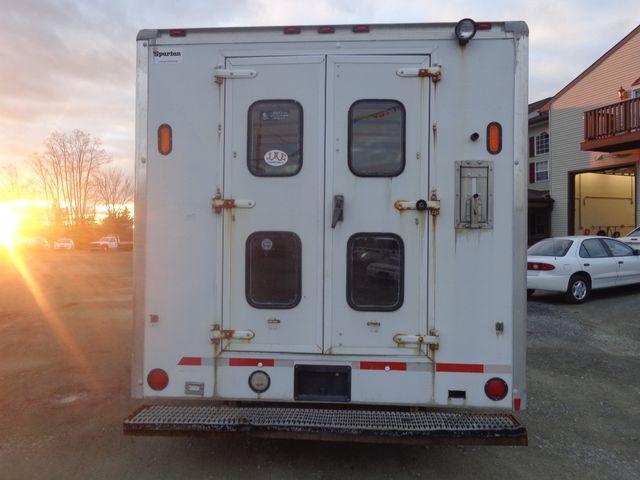 2007 Chevrolet Express Commercial Cutaway C7L DRW Hoosick Falls, New York 3