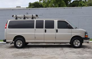 2007 Chevrolet Express Passenger Hollywood, Florida 3