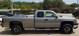 2007 Chevrolet Silverado 2500HD Classic Work Truck Fayetteville , Arkansas 3