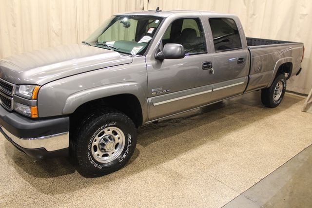 2007 Chevrolet Silverado 2500HD 4x4 Diesel Long Bed LT1 in Roscoe, IL 61073
