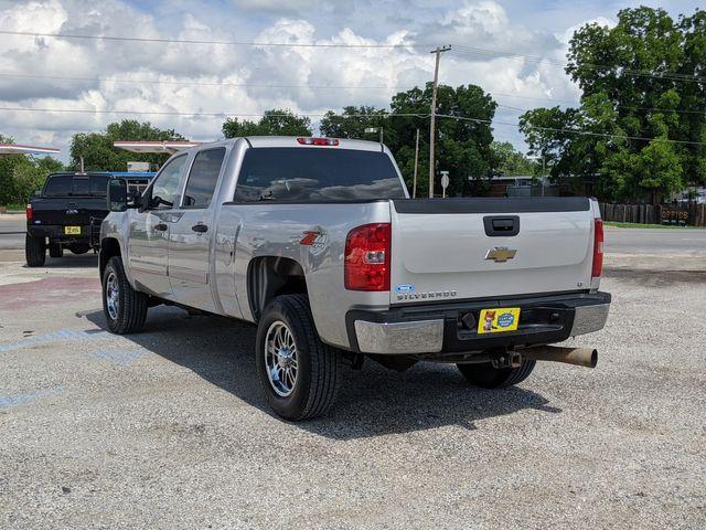 2007 Chevrolet Silverado 2500HD LT w/1LT in Pleasanton, TX 78064