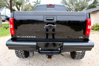 2007 Chevrolet Silverado 2500 HD LTZ Crew Cab 4x4  6.6L Duramax Diesel Allison Auto LIFTED Sealy, Texas 17