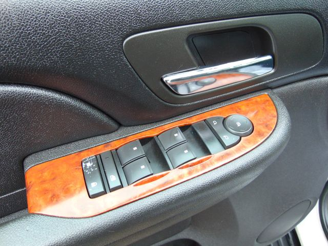 2007 Chevrolet Suburban LT Alexandria, Minnesota 12