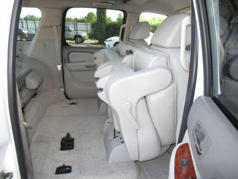 2007 Chevrolet Suburban 1500 LT 4WD | Houston, TX | American Auto Centers in Houston, TX