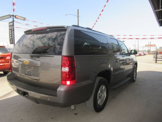 2007 Chevrolet Suburban, PRICE SHOWN IS THE DOWN PAYMENT south houston, TX 4