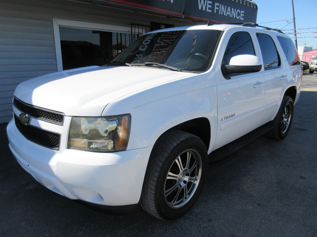 2007 Chevrolet Tahoe, PRICE SHOWN IS THE DOWN PAYMENT south houston, TX 8