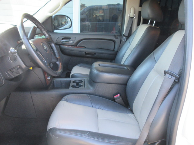 2007 Chevrolet Tahoe, PRICE SHOWN IS THE DOWN PAYMENT south houston, TX 9