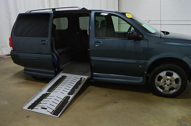 2007 Chevrolet Uplander LT WHEEL CHAIR ACCESIBLE