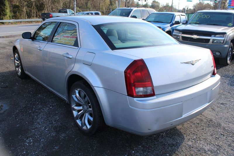 2007 Chrysler 300   city MD  South County Public Auto Auction  in Harwood, MD