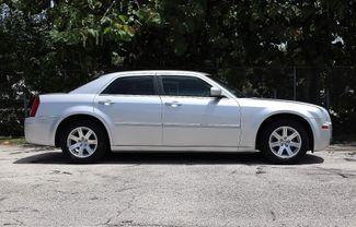 2007 Chrysler 300 Hollywood, Florida 3