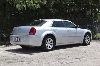 2007 Chrysler 300 Hollywood, Florida 4