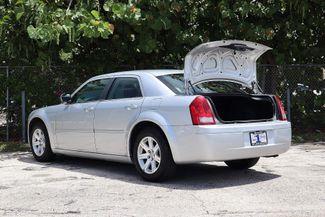2007 Chrysler 300 Hollywood, Florida 32