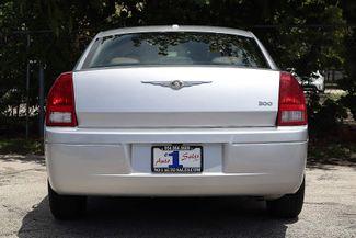 2007 Chrysler 300 Hollywood, Florida 6