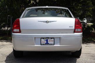 2007 Chrysler 300 Hollywood, Florida 40