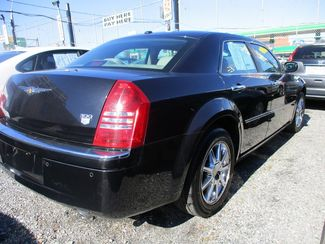 2007 Chrysler 300 C Jamaica, New York 4