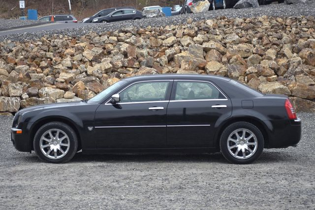 2007 Chrysler 300 C Naugatuck, Connecticut 1