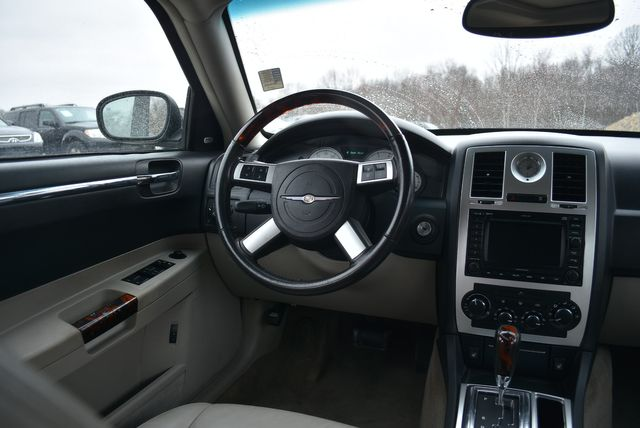 2007 Chrysler 300 C Naugatuck, Connecticut 12